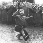 Les soldats russes de la garde s'amusent, 1915