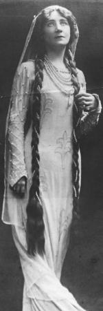 Mme Vallandri, femme ayant la chevelure la plus longue de l'Europe, 1911