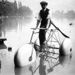Concours de cycles nautiques sur le lac d'Enghien : appareil Schweitzer, 1914