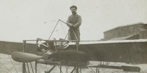 Louis Blériot sur son monoplan, 1909
